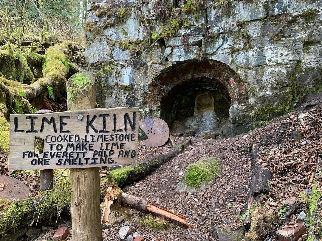 Sign for the Lime Kiln Trail along the hiking trail near Bothell, Washington.
