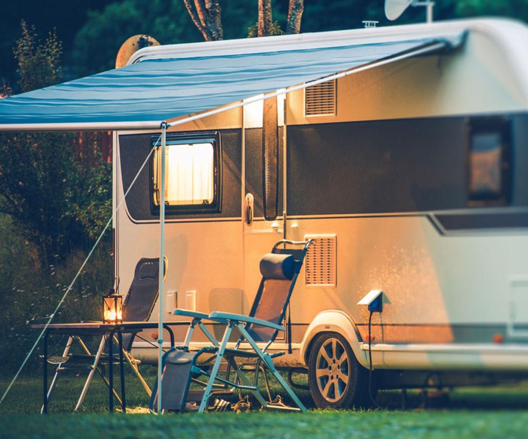 Camper parked at Thunderbird RV and Camping resort in Bothell, Washington.