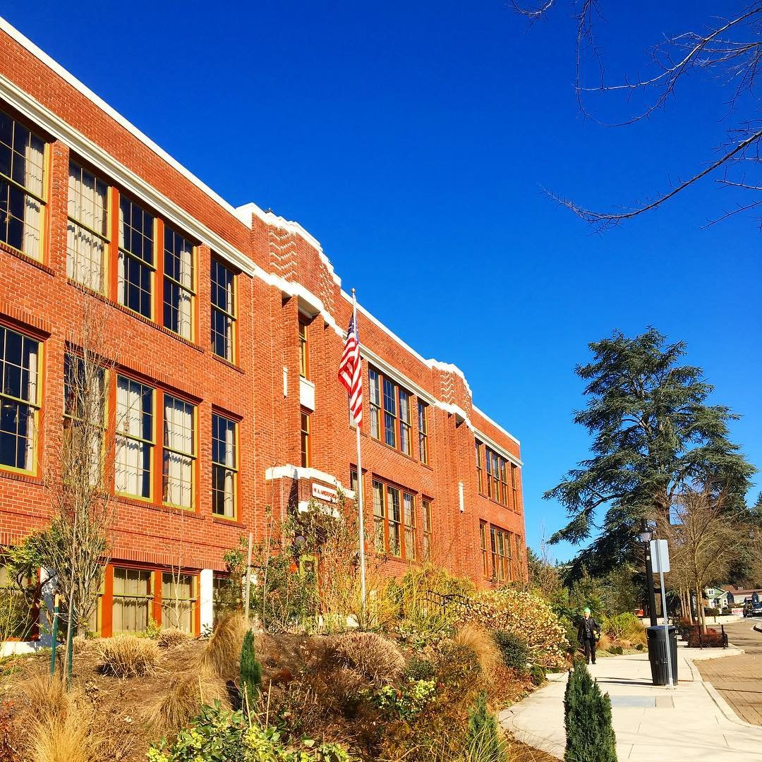 Outside view of the McMenamins Anderson School historic hotel in Bothell, WA.