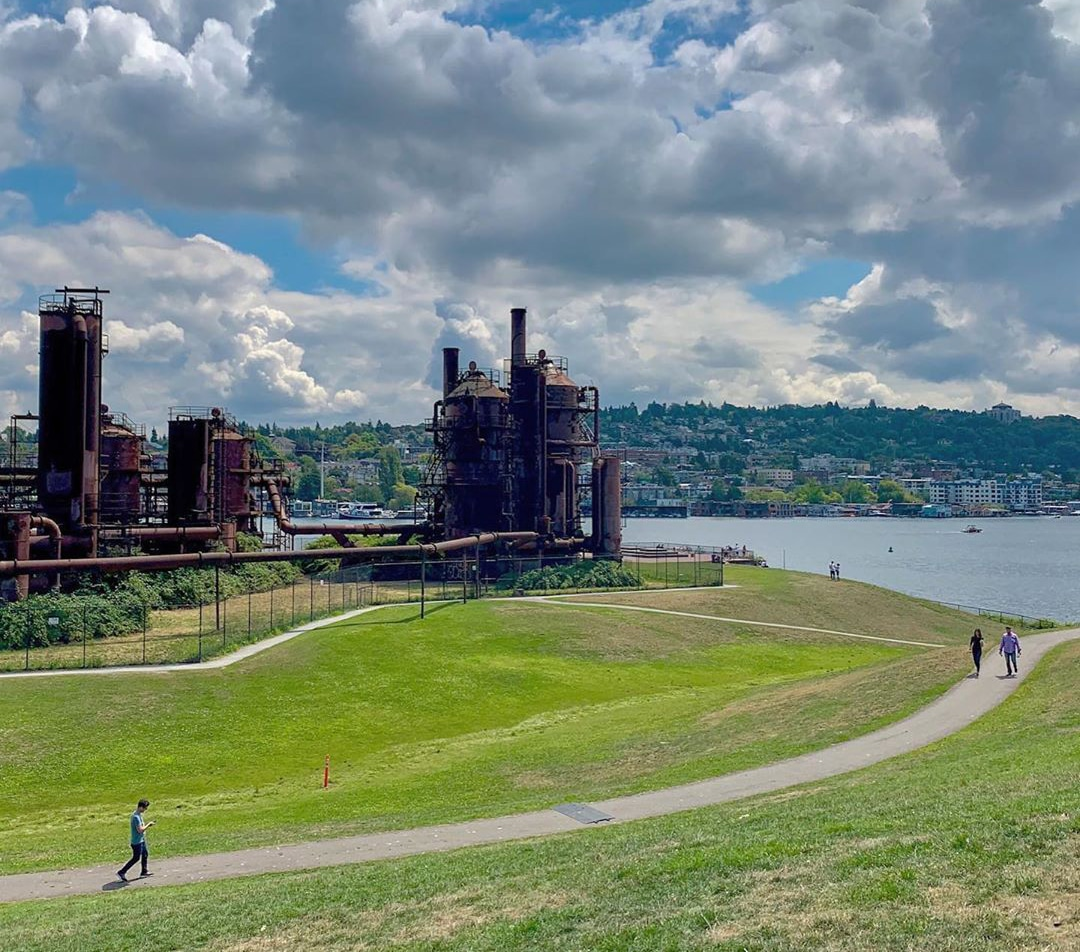 The Gas Works parks buildings with Lake Union behind it, near Bothell, Washington.